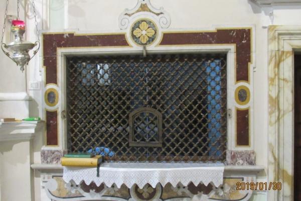 grata-a-sinistra-altare-maggiore-fileminimizerF3E4782A-5C4C-05B5-1E82-EE8974972144.jpg