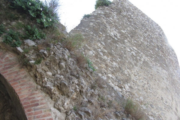 la-torre-e-arco-alla-base-fileminimizerDCB4C966-5601-75A5-9EEC-3878ACCF9522.jpg