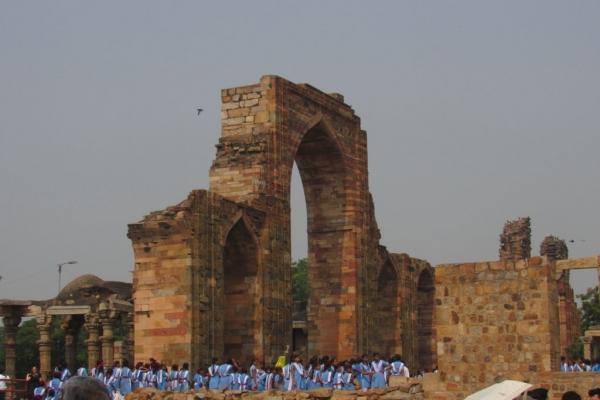 minareto-qutub-minar-delhi-fileminimizer971ED247-585A-79DD-DBE1-1616C9BA782D.jpg
