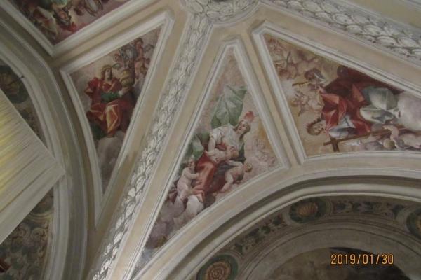 particolare-sommita-ingresso-chiesa-fileminimizerE5279B9C-3B90-18E8-994B-11AB93FFE843.jpg