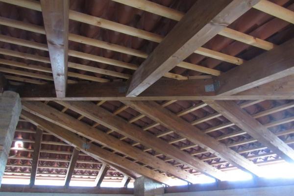 ricostruzione-del-tetto-dall-interno79A924AA-1753-3E4E-FC9C-3E7A2BE2EA61.jpg