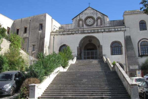 scalinata-e-facciata-basilica-fileminimizerCF25B358-E22B-5FA1-9595-DF4BA1999937.jpg