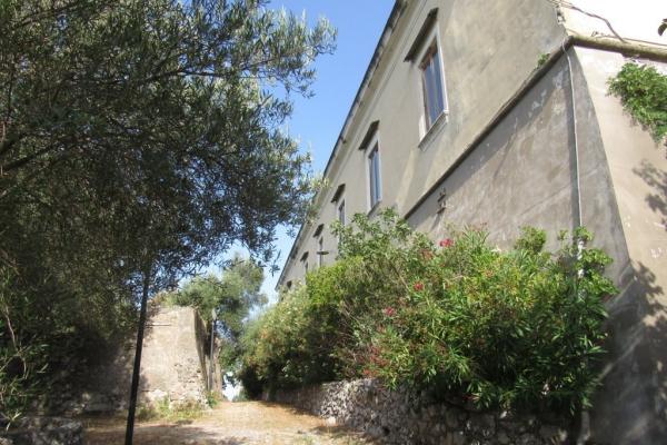 un-ala-del-castello-fileminimizer72D7B299-2F3A-8881-EB44-55292AE26686.jpg